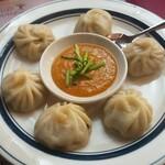 インド・アジアン料理 プルナ - チキンモモ:590円