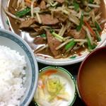 三松会館 - レバニラ定食(780円)