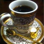 元町珈琲 - セレクトコーヒーはカップもスプーンも セレクトされてます。