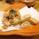 割烹はらだ - 揚げ河豚 と 海老芋の天ぷら