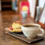 カイドウコーヒー焙煎所 - 料理写真:深煎コロンビア、ベルベットケーキ