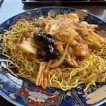 中国日隆園 - 鶏ピリ辛あんかけやきそば