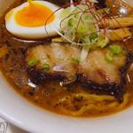 らーめん寅乃虎 - スープがスパイシーで奥深い美味しさ(*^^*)