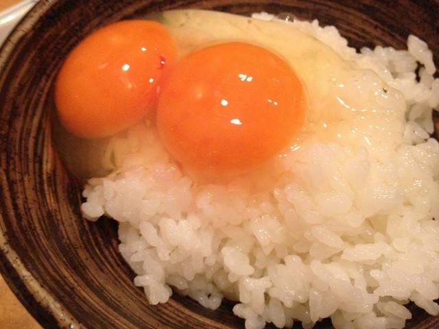 とり徹 三宮 - ラストの卵がけごはん! しかも黄身2!!!