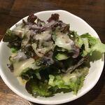 焼肉・ホルモン 激辛番長 - サラダ