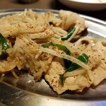 121756292 - 肉ニラ炒め。