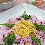 沙羅 - 季節限定の春のカレーです。ピンクのご飯がとってもキレイな一品です。