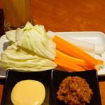 チーズタッカルビ食べ放題 肉バル ミートテーブル -