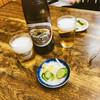 亀印食堂 - 料理写真:大瓶にはサッとおしんこ付き 600円