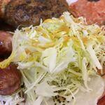 シンショー製麺うどん なべちゃん - ドレッシングがかかった生野菜サラダです