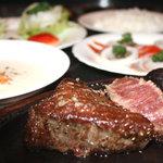 十兵衛 - 料理写真:特選黒毛和牛の柔らかな羊羹のような食感、豊潤な深いコクとまろやかな旨味、かつ力強く芳ばしい香りが口中を満たし、素材本来の旨味を堪能していただけます。
