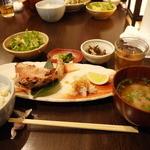 ごち屋 - あこう鯛のかす漬け焼き定食