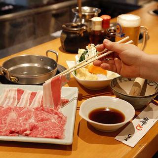 ランチは880円~!極上の肉をお得に堪能