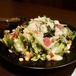 銀座 秋田県産比内地鶏専門店 美郷錦 - 農園野菜のシーザーサラダ