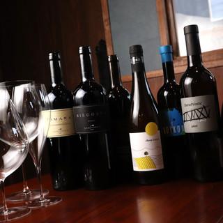 ソムリエオーナー厳選ワインとそれに合わせた自家製料理が充実◎