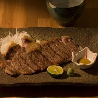 肉料理や季節に合わせた素材で作る、お食事をお愉しみください。