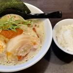 まるちゅう - 料理写真:カレーラーメン&〆ライス