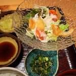 121841128 - サラダと小鉢2品