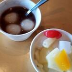 1st Cafe  - お汁粉、杏仁豆腐ONフルーツ♪