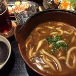 TOWA 麦酒と日本酒と蕎麦 - カレーうどんは結構スパイシーで美味しい