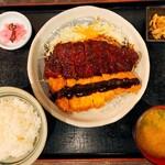 矢場とん - わらじとんかつ定食半々¥1800