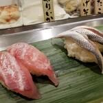 寿司 魚がし日本一 - 黒鯛・コハダ。