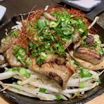牡蠣・海鮮居酒屋 蔵よし - 燻り鶏の黒焼き