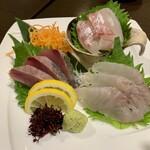 牡蠣・海鮮居酒屋 蔵よし - 刺身三点盛り