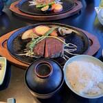 モリタ屋 - ご飯 赤出汁 お漬物