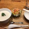 カユ デ ロワ - 料理写真:サカナ820円、サラダセット310円。ふわふわサカナとイカのお粥は、相変わらずの美味でした(╹◡╹)。サラダも美味しかったです(╹◡╹)