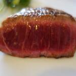 オルトレヴィーノ - 無角牛のレアステーキ