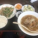 味鮮園 - 料理写真:日替わりランチ(豚肉とニラもやし炒め)