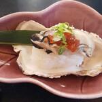 121884566 - 牡蠣寿司
