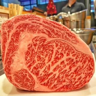 黒板メニュー有・肉質を確認してから買い付ける焼肉にして旨い肉
