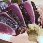 12189901 - 名物の「鰹のたたき」。日本酒が進みます