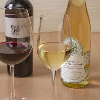 日本酒やワインを中心に、多彩なドリンクを取り揃えています