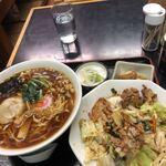 三ツ木屋食堂 - 料理写真:回鍋肉丼セット