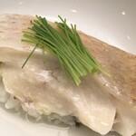 Benkei - 負けないくらい美味しいトロトロなノドグロ蒸し寿司