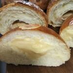 秀のパン工房 窯 -