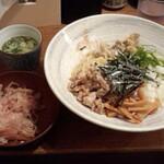魚介系まぜそば専門店 魚がしそば - 醤油まぜそば(太麺)(並)(780円)