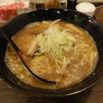 せっちゃん - 魚介とんこつらぁ麺