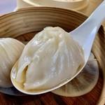 豆皿中華Q - アツアツ肉汁が溢れる「小籠包」