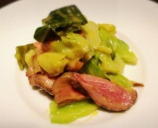カッフェ・クラシカ - 鴨胸肉とキャベツの温製サラダ