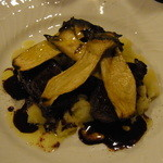 ソニドーロ - 朽木産鹿ロースのソテー ドルチェット風味のソース