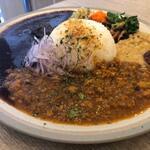 CURRY TETRA - カレー2種盛り ・ビーフ ・魚介キーマ