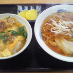 Kadoyashokudou - Cセット(他人丼+ラーメン)850円