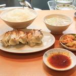 餃子の店 味の横綱 - 餃子定食B 650円