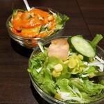 カフェ&バー サンガム - サラダ。私はドレッシング無し。