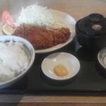 とんかつ大将 - 料理写真:Aランチ ロースカツ定食(980円)