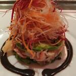 Brasserie VIRON - サラダアップ!底にはずわい蟹とたらば蟹の蟹身とアボカド